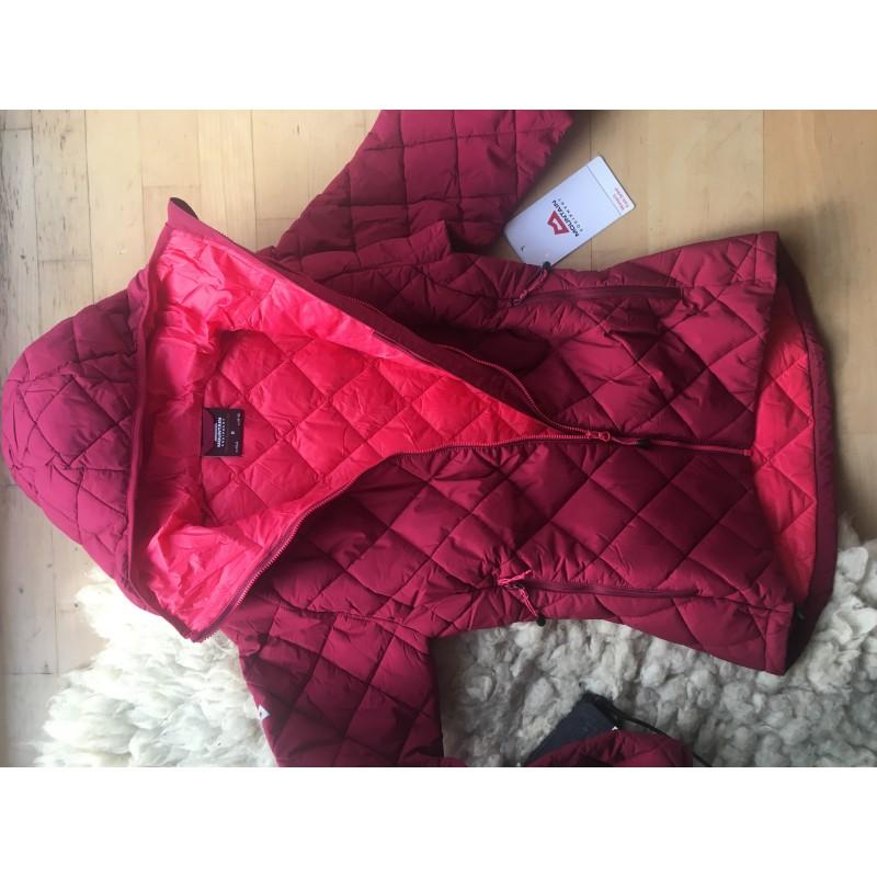 Bilde 1 fra Julia for Mountain Equipment - Fuse Women's Jacket - Syntetisk jakke