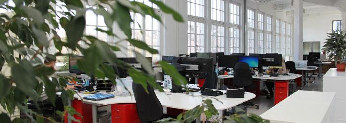 3 etasjer ren fjellsport! På loftet til en tidligere tekstilfabrikk har vi våre kontor- og lagerrom